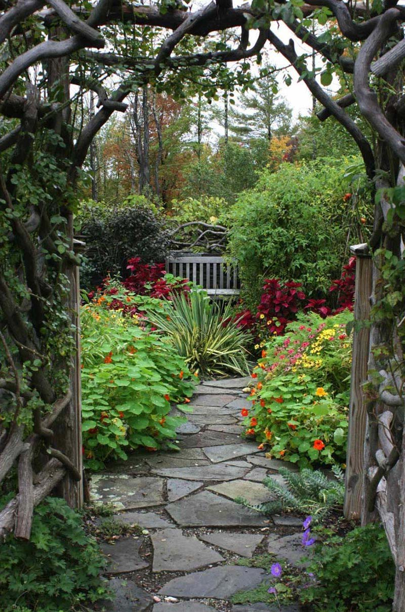 Beautiful garden paths made of natural stone quiet corner for Beautiful garden ideas