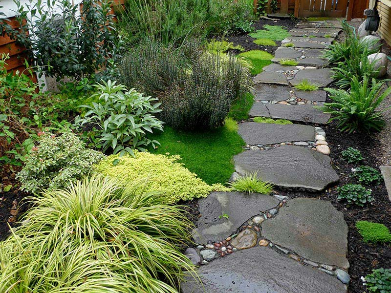 ... Beautiful Garden Paths Made Of Natural Stone ...