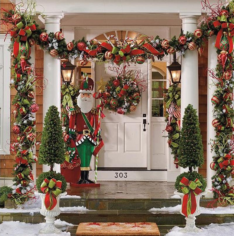 Christmas front door decorations quiet corner - Christmas decorating exterior house ...