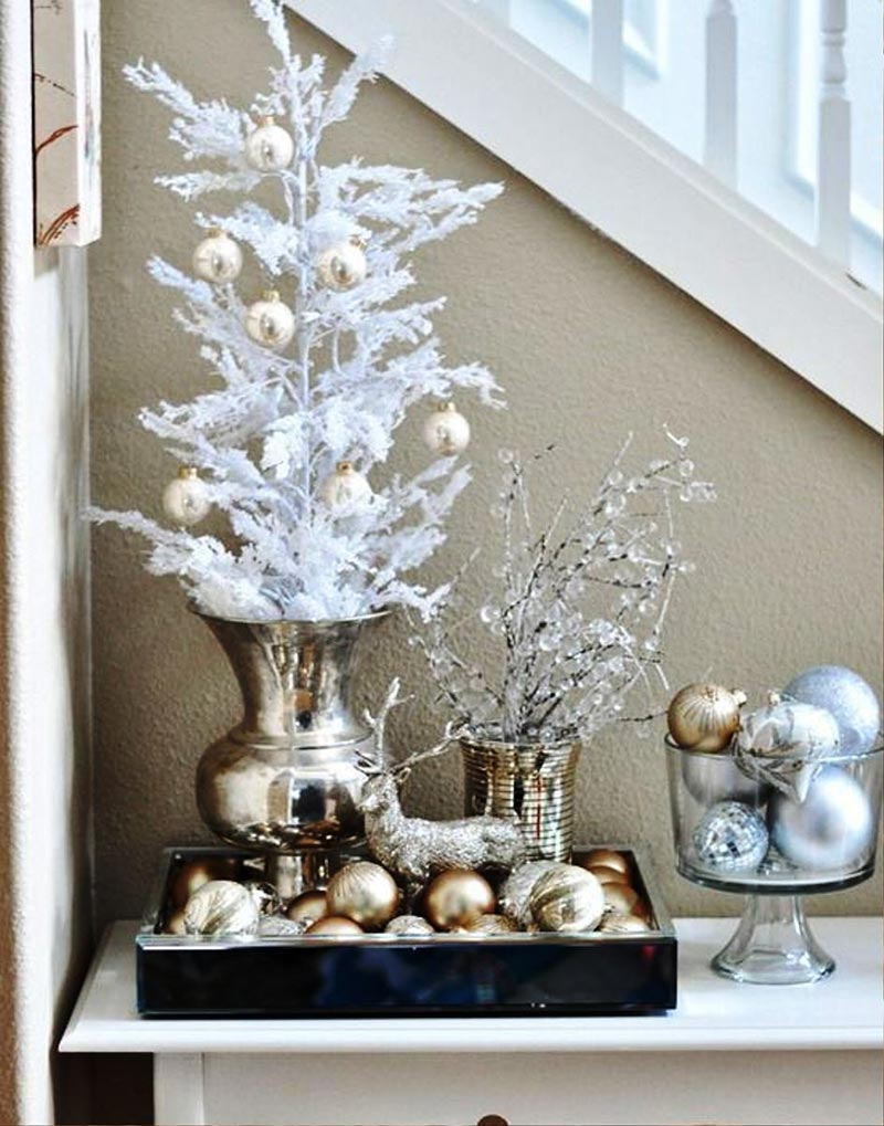 Christmas home decorating ideas quiet corner for Christmas home decorations pictures