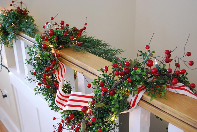 Christmas Garlands For Stair Banister Christmas Staircase