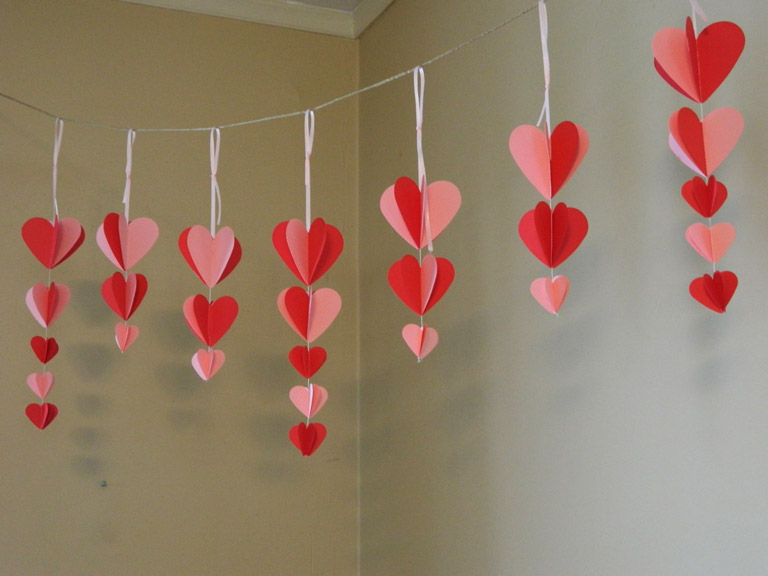 Amazing valentines day decorations ideas quiet corner for Valentine decorations to make at home