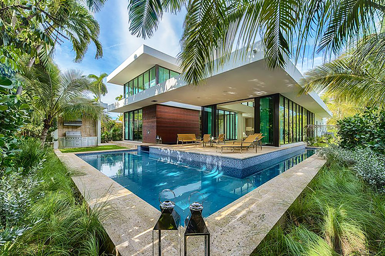 2300 Sunset Drive Miami Beach Modern Home - Quiet Corner