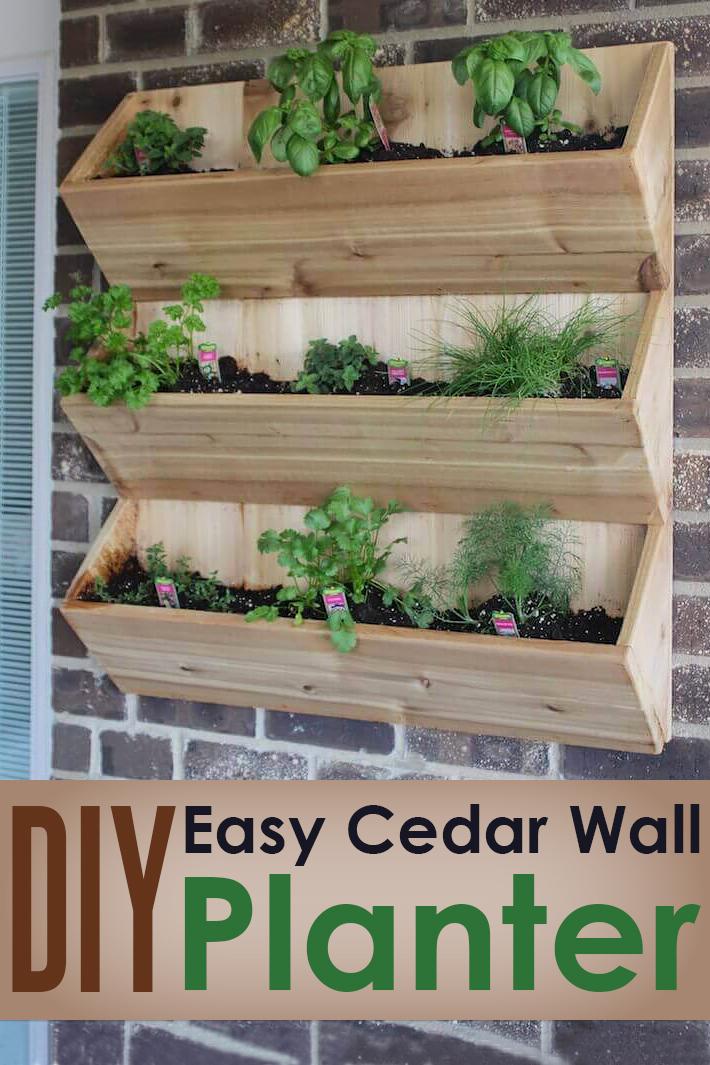 DIY – Easy Cedar Wall Planter