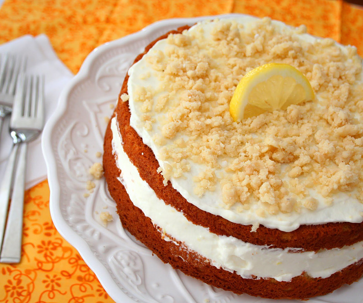 Low Carb and Gluten Free Lemon Cream Cake